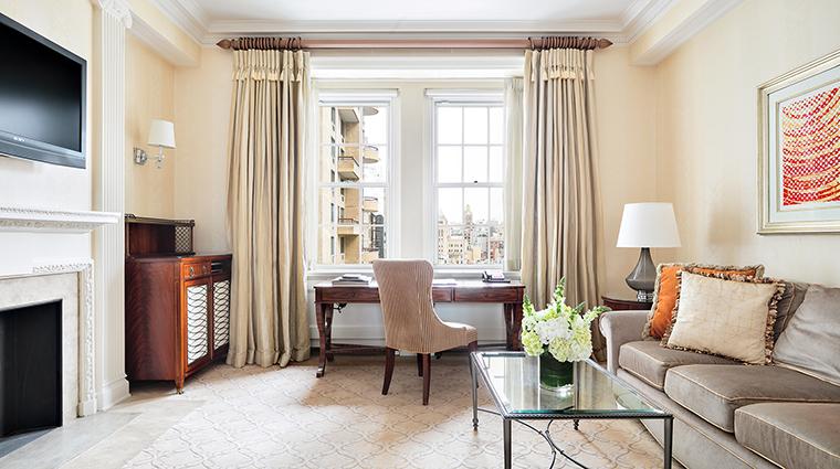 Property ThePierreATajHotel Hotel GuestroomSuite CityViewSuiteLivingRoom TajHotelsResortsandPalaces