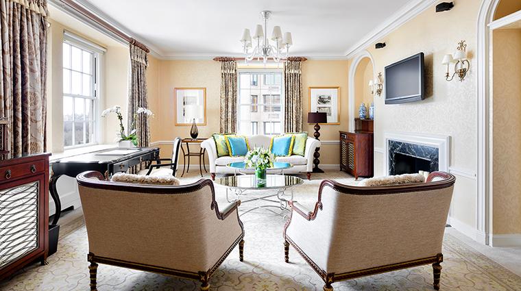 Property ThePierreATajHotel Hotel GuestroomSuite HuttonSuiteLivingRoom TajHotelsResortsandPalaces