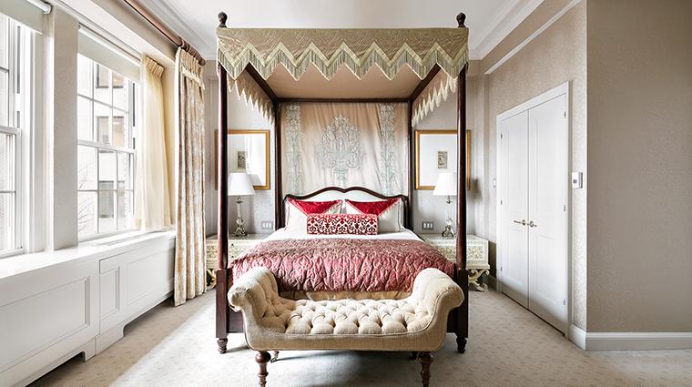 Property ThePierreATajHotel Hotel GuestroomSuite RajputSuiteMasterBedroom TajHotelsResortsandPalaces