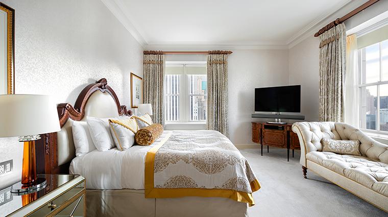 Property ThePierreATajHotel Hotel GuestroomSuite TataSuiteMasterBedroom TajHotelsResortsandPalaces