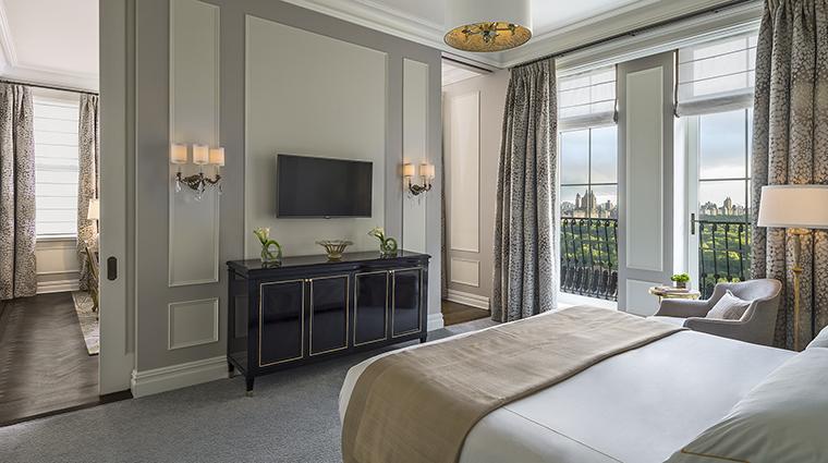 Property ThePlazaHotel Hotel GuestroomSuite TheCarnegieSuiteBedroom TheFiveStarTravelCorpotation