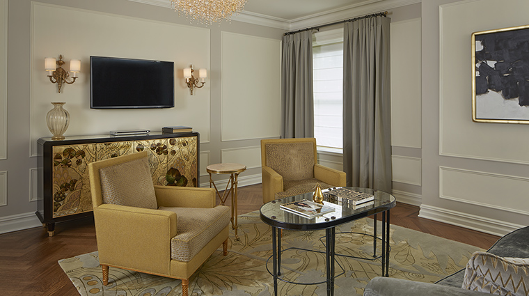 Property ThePlazaHotel Hotel GuestroomSuite VanderbiltSuiteLivingRoom2 TheFiveStarTravelCorporation