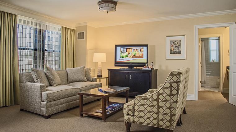Property TheRaphaelHotel Hotel GuestroomSuite SuiteLivingRoom TheRaphaelHotel