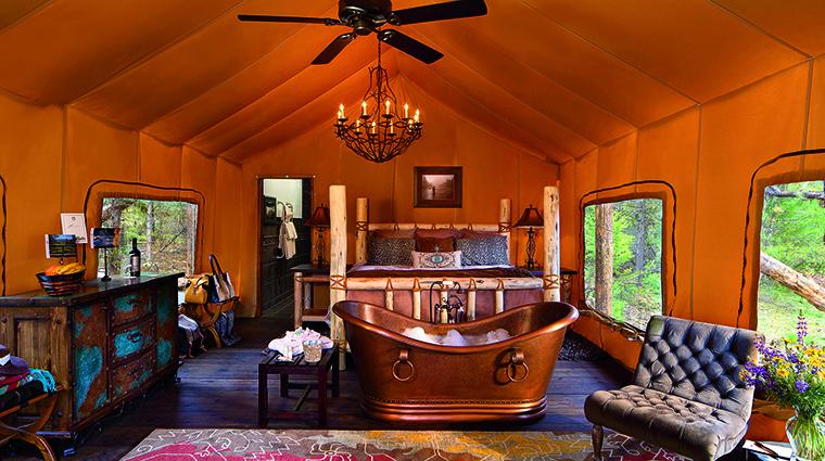 Property TheResortatPawsUp Hotel GuestroomSuite CliffsideCampHoneymoonTent TheResortatPawsUp