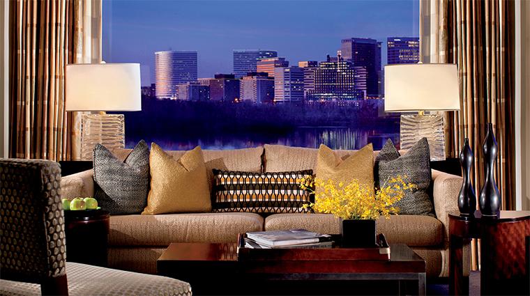 Property TheRitz CarltonGeorgetownWashingtonDC Hotel GuestroomSuite RoyalPotomacSuite CreditJonathanRouse