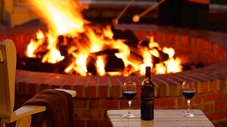 Property TheRitzCarltonHalfMoonBay Hotels PublicSpaces 7OceanLawnFirepitDetail TheRitzCarltonHotelCompanyLLC