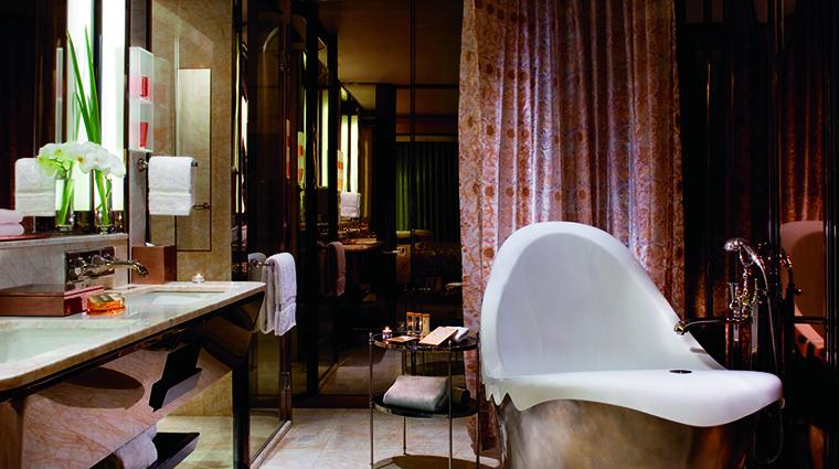 Property TheRitzCarltonShanghaiPudong Hotel GuestroomSuite DeluxeBathroom TheRitzCarltonHotelCompanyLLC