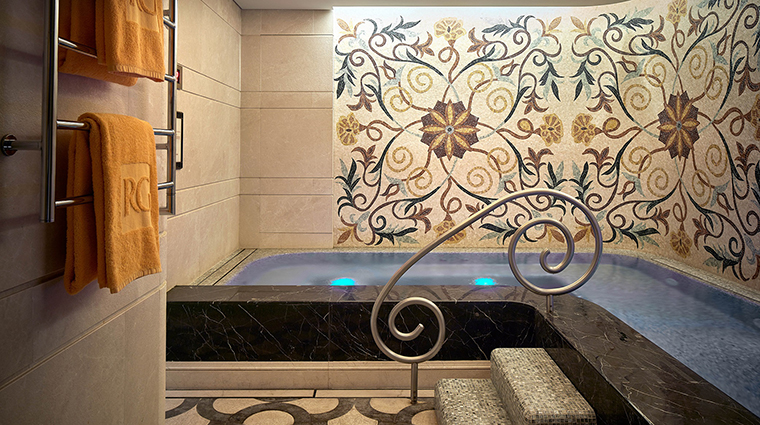 Property TheRoyalGardenHongKong Hotel Spa RoyalGardenSpaJacuzzi TheRoyalGarden