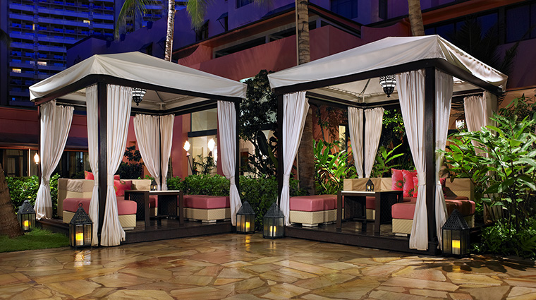 Property TheRoyalHawaiian Hotel BarLounge MaiTaiBarCabanas StarwoodHotels&ResortsWorldwideInc