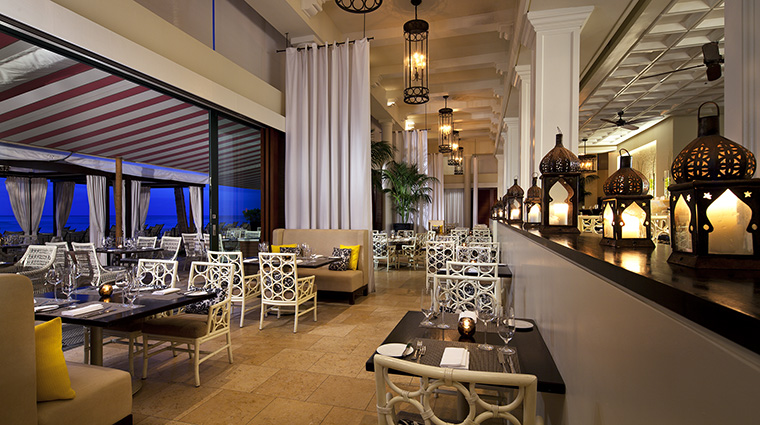 Property TheRoyalHawaiian Hotel Dining AzureInterior StarwoodHotels&ResortsWorldwideInc
