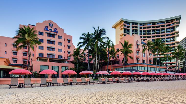 Property TheRoyalHawaiian Hotel Exterior Beachfront StarwoodHotels&ResortsWorldwideInc