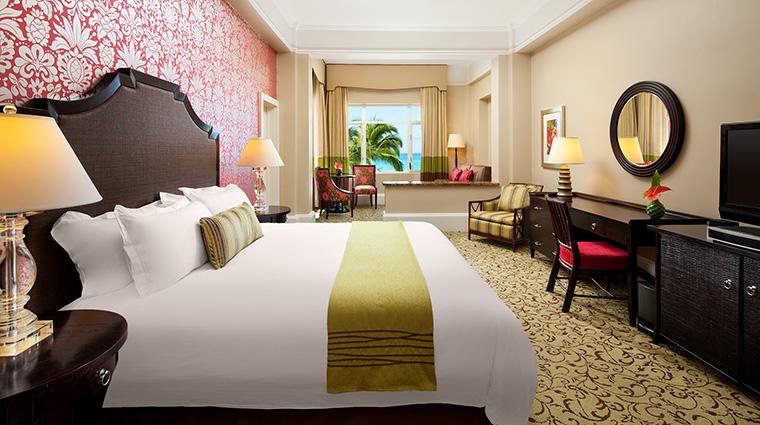 Property TheRoyalHawaiian Hotel GuestroomSuite HistoricOceanJuniorSuite StarwoodHotels&ResortsWorldwideInc