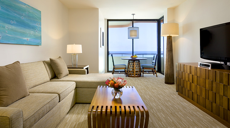 Property TheRoyalHawaiian Hotel GuestroomSuite MailaniTowerOceanSuite StarwoodHotels&ResortsWorldwideInc