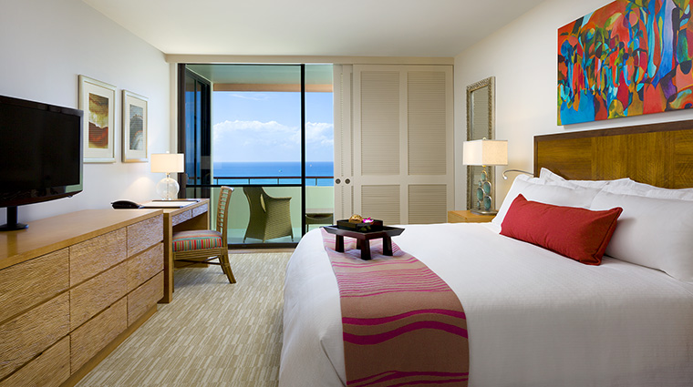 Property TheRoyalHawaiian Hotel GuestroomSuite MailaniTowerOceanSuiteKingBedroom StarwoodHotels&ResortsWorldwideInc