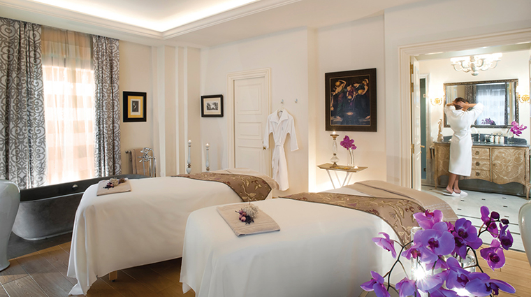 Property TheSpaatFourSeasonsHotelFirenze Spa TreatmentRoom FourSeasonsHotelsLimited