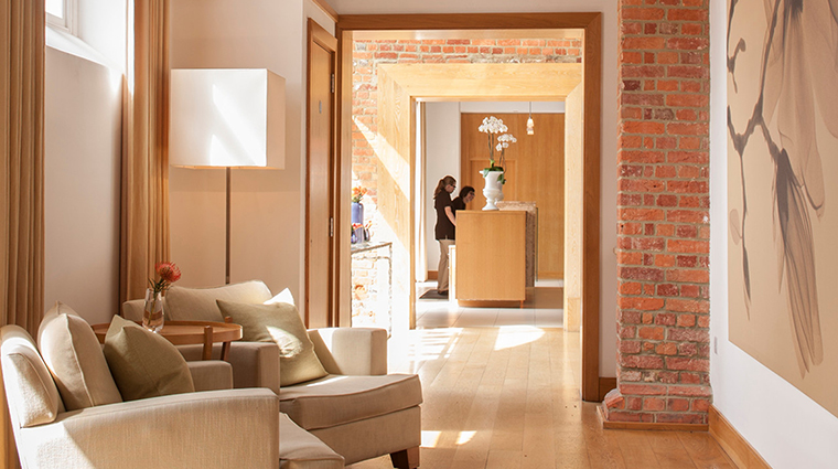 Property TheSpaatFourSeasonsHotelHampshire Spa HallwaytoReception FourSeasonsHotelsLimited
