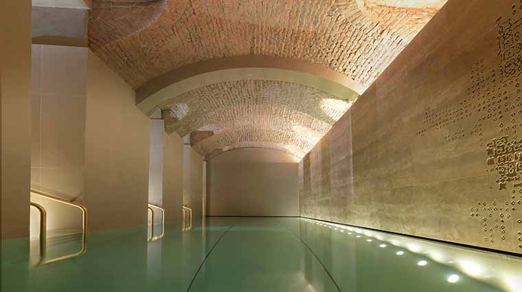Property TheSpaatFourSeasonsHotelMilano Spa SwimmingPool FourSeasonsHotelsLimited