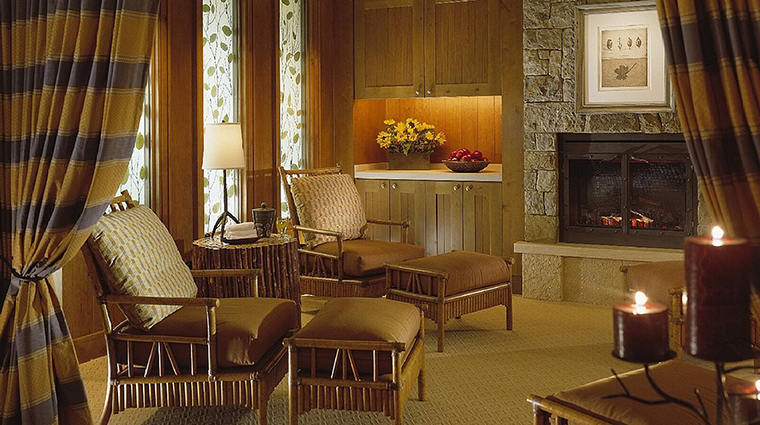 Property TheSpaatFourSeasonsResortJacksonHole Spa Lounge FourSeasonsHoteslLimited
