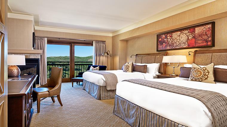 Property TheStRegisDeerValleyRemedeSpa Hotel GuestroomsSuites DeluxeQueenGuestRoom CreditStRegisDeerValley