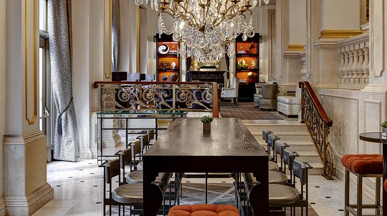 Property TheStRegisNewYork Hotel BarLounge KingColeBar&Salon2 StarwoodHotels&ResortsWorldwideInc