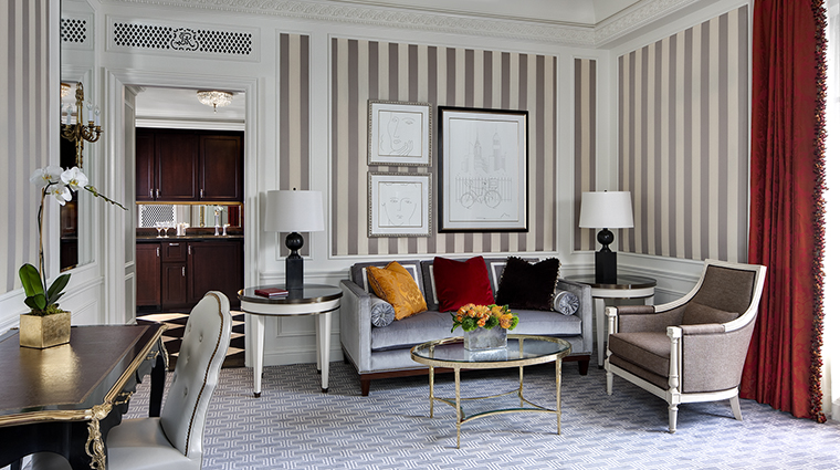 Property TheStRegisNewYork Hotel GuestroomSuite FifthAvenueSuite StarwoodHotels&ResortsWorldwideInc