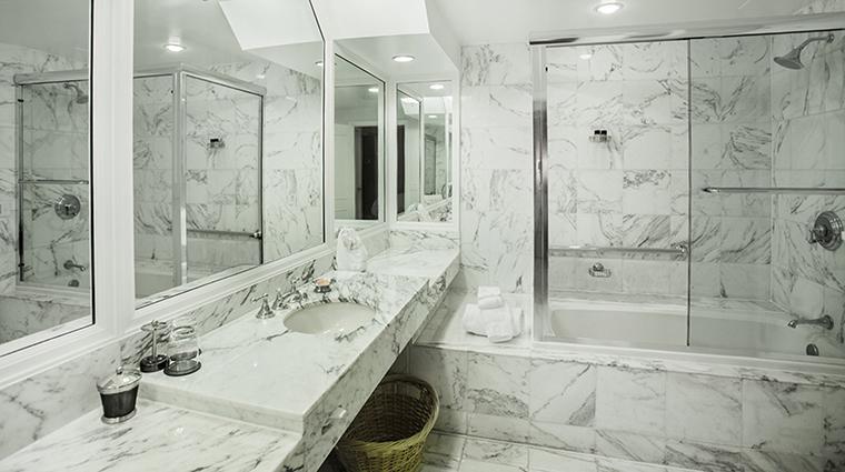 Property TheTownsendHotel Hotel GuestroomSuite LuxurySuiteBathroom TheTownsendHotel