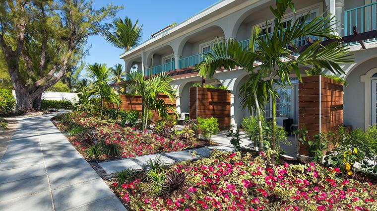 Property TheWestinGrandCaymanSevenMileBeachResortandSpa Hotel Exterior GuestroomExteriorLanais MarriottInternational