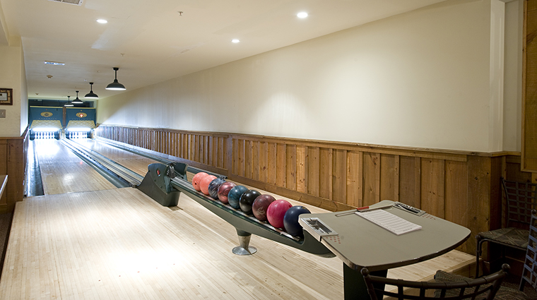 Property TheWhitefaceLodge Hotel Activities Bowling TheWhitefaceLodge