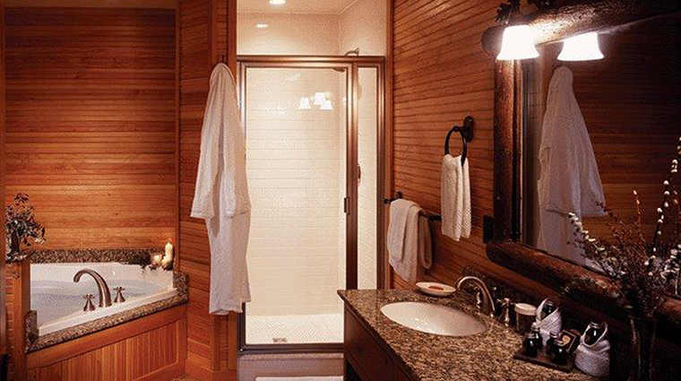 Property TheWhitefaceLodge Hotel GuestroomSuite GuestMasterBathroom TheWhitefaceLodge