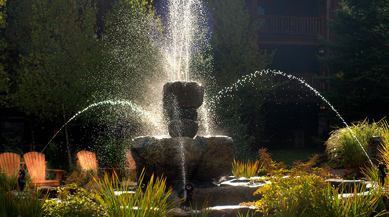 Property TheWhitefaceLodge Hotel PublicSpaces FountaininCourtyard TheWhitefaceLodge