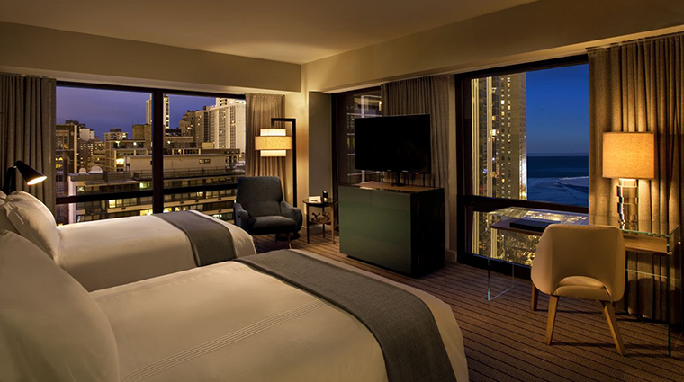 Property ThompsonChicago Hotel GuestroomSuite DeluxeLakeviewDouble ThompsonHotels