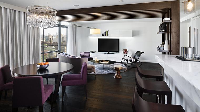 Property ThompsonToronto Hotel 2 GuestroomSuite ThompsonSuite LivingRoom CreditThompsonHotels