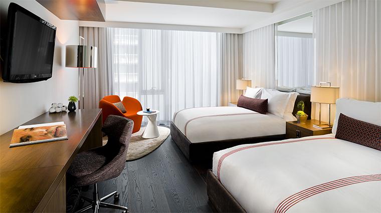 Property ThompsonToronto Hotel 5 GuestroomSuite DoubleDeluxeGuestroom Bedroom CreditThompsonHotels