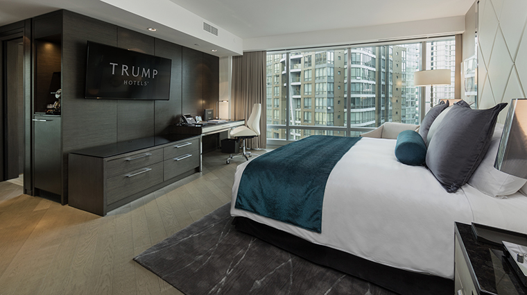 Property TrumpInternationalHotel&TowerVancouver Hotel GuestroomSuite DeluxeExecutiveGuestroom TrumpInternationalHotelsManagementLLC