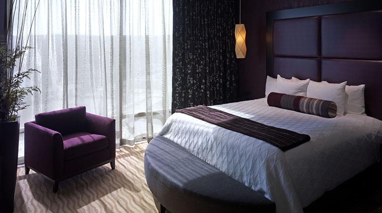 Property TulalipResortCasino Hotel 4 GuestroomSuite OrcaSuite Bedroom CreditTulalipTribes