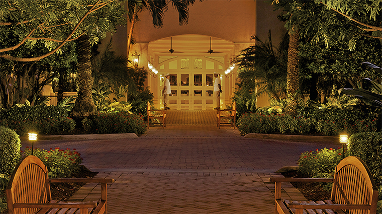 Property TurnberryIsleMiami Hotel 3 Exterior PorteCochere CreditTurnberryIsle
