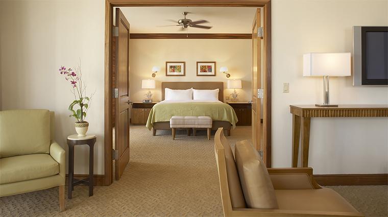 Property TurnberryIsleMiami Hotel 4 GuestroomSuite JasmineTowerApartmentSuite LivingRoomandBedroom CreditTurnberryIsle