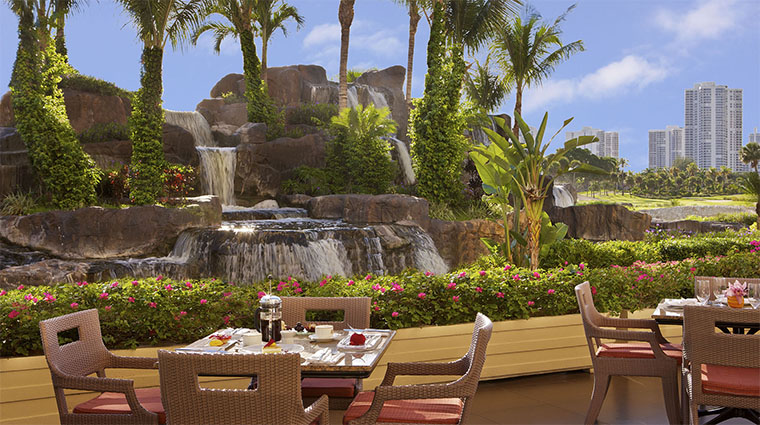 Property TurnberryIsleMiami Hotel 6 Restaurant CascataGrill OutdoorSeating CreditTurnberryIsle