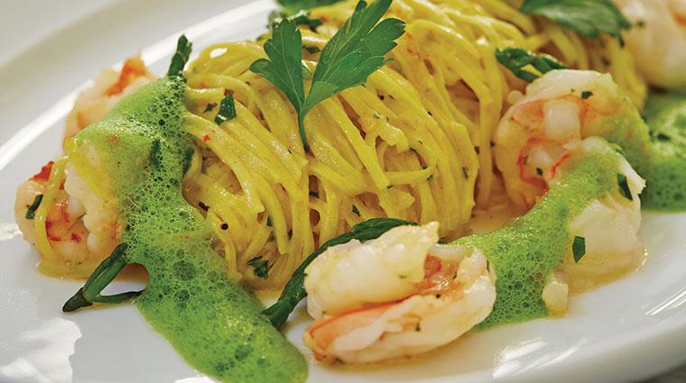 Property VerandaCucinaItaliana Restaurant Dining TaglioliniAlGamberi FourSeasonsHotelsLimited