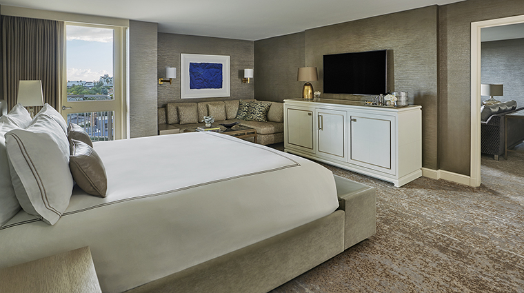 Property ViceroyLErmitageBeverlyHills Hotel GuestroomSuite IconSuiteBedroom ViceroyHotelGroup