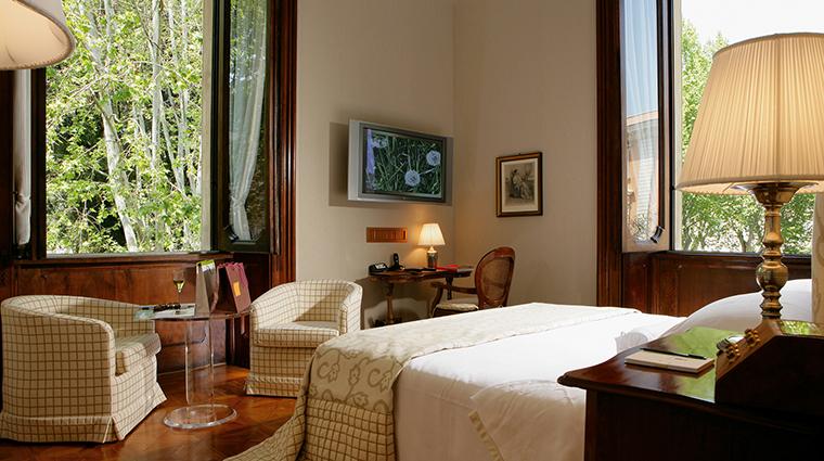 Property VillaSpallettiTrivelli Hotel GuestroomSuite RomanticRoom VillaSpallettiTrivelli