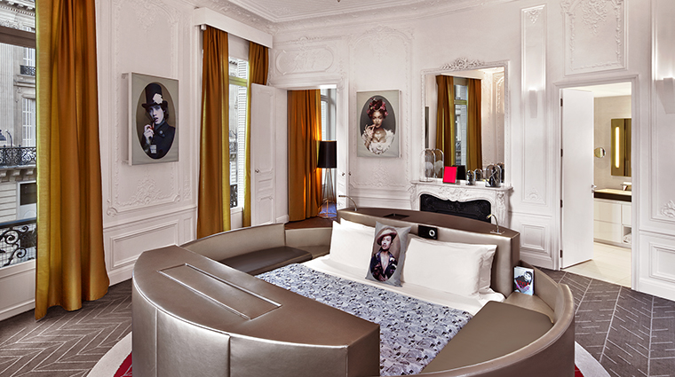 Property WParisOperaHotel Hotel GuestroomSuite ExtremeWOWSuite StarwoodHotels&ResortsWorldwideInc