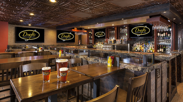 Property WestgateParkCityResortandSpa 15 Hotel Restaurant DraftsSportsBarandGrill CreditWestgateResorts