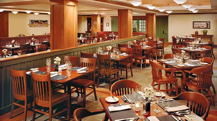 Property WilliamsburgLodge 6 Hotel Restaurant TheLodgeRestaurant DiningRoom CreditTheColonialWilliamsburgFoundation