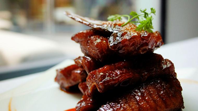 Property YongYiTing Restaurant Dining CrispyPomfret MandarinOrientalHotelGroup