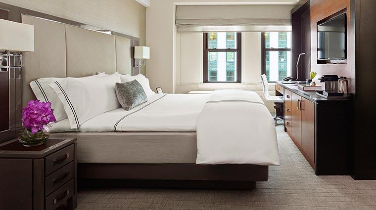 Property theQuin Hotel GuestroomSuites DeluxeKingRoom CredittheQuin