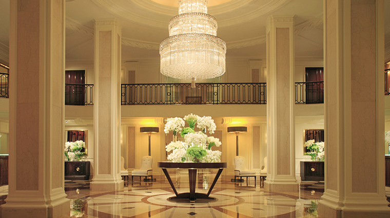 PropertyImage BeverlyWilshire 2 Hotel PublicSpaces Lobby CreditFourSeasons