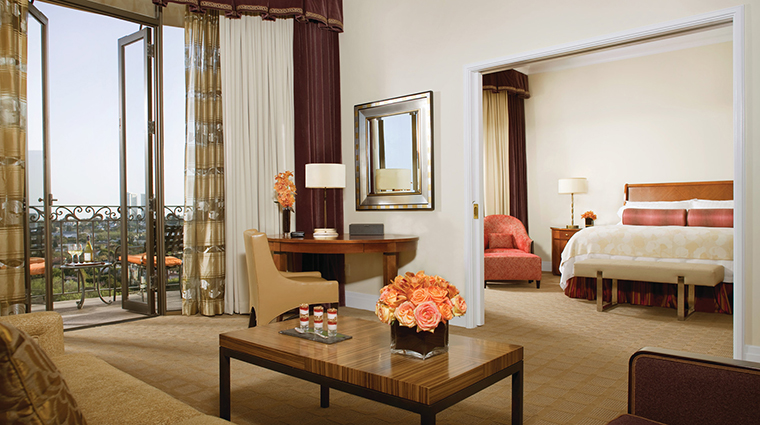 PropertyImage BeverlyWilshire 3 Hotel GuestroomsSuites DeluxeBeverlySuite CreditFourSeasons