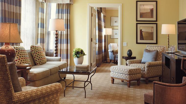 PropertyImage BeverlyWilshire 8 Hotel GuestroomsSuites SignatureRodeoSuite CreditFourSeasons