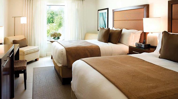 PropertyImage CasaMarinaResort 10 Hotel GuestroomSuites IslandVistaRoom CreditCasaMarinaResort VFMLeonardoInc.